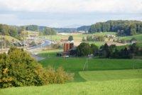 Hof Grimmer und Autobahn